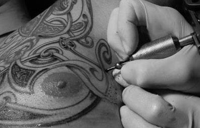 tatouage-en-cours