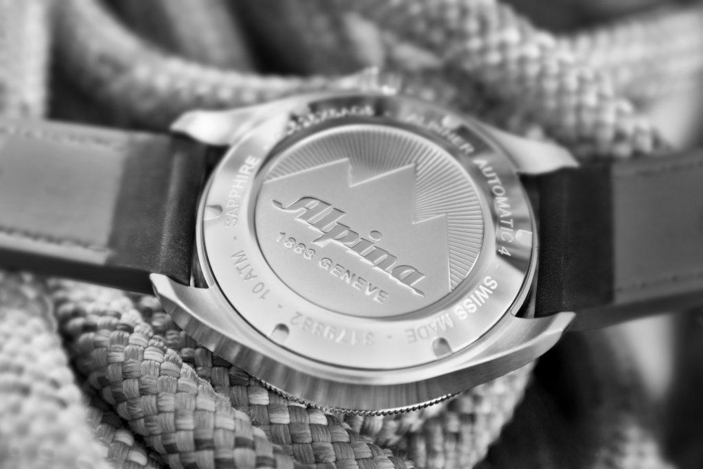 montre-alpina-boitier